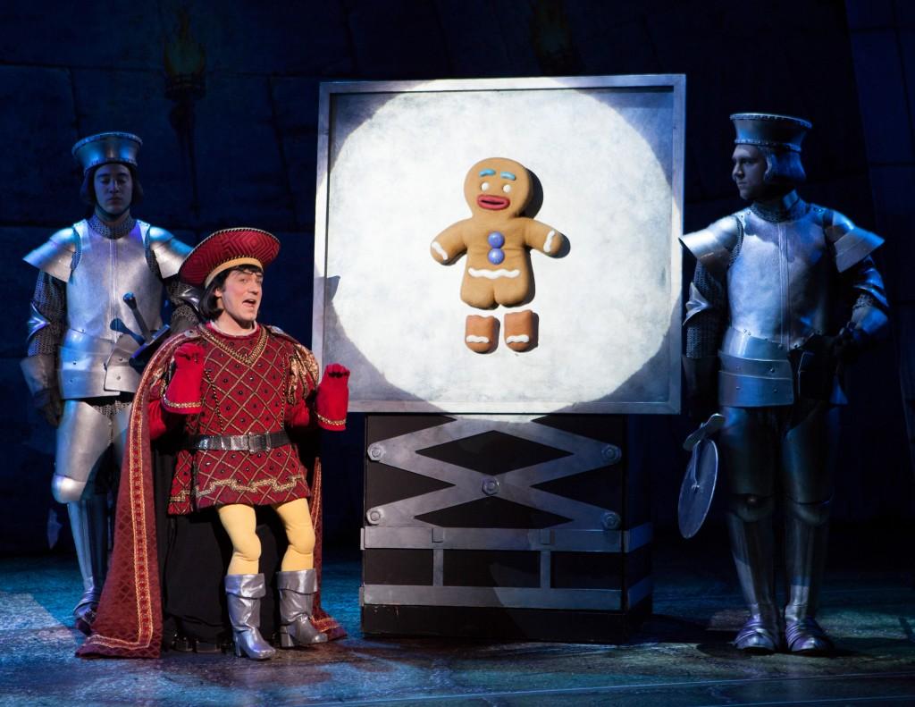 Christian_Marriner_as_Lord_Farquaad_in_Shrek_The_Musical_L_vR